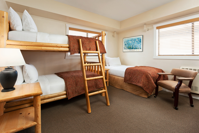 Hotel rooms lodging prices alta 39 s rustler lodge alta for Three bed